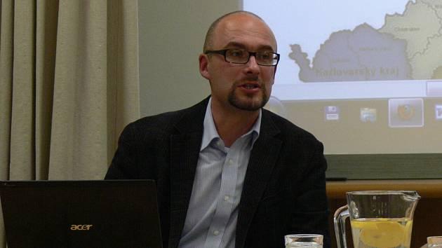 Přednáška o genealogii a archivech v České republice se uskutečnila ve čtvrtek 11. 10. v Knihovně kroměřížska. Přednášel ředitel zlínského archivu David Valůšek.