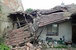 Zřícená střecha řadového domu v Kroměříži si vyžádala evakuaci obyvatel