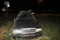 Osmadvacetiletý řidič Škody Octavia v sobotu 9. září v ulici Bezručova v Holešově nezvládl řízení a dostal smyk.