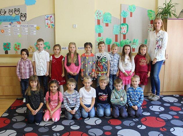 Třída 1.B ze Základní školy Komenského vKroměříži  spaní učitelkou Mgr. Zuzanou Brandovou