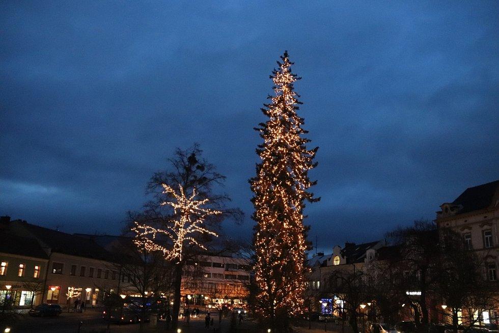 Vánoční strom 2020 ve Vsetíně