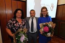 Kroměřížské sociální pracovnice Dagmar Klučková a Erika Hanzlová získaly ocenění v krajské anketě Pracovník roku sociálních služeb pro rok 2019.