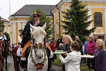 Na Hanácké slavnosti v Chropyni dorazil i král Ječmínek. Celý víkend se tak nesl ve znamení tradic. Nechyběly ani folklorní tance a hudba.