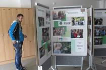 V Knihovně Kroměřížska je k vidění výstava k realizaci projektu Valašské centrum pro udržitelný rozvoj. Přístupná je zdarma do konce srpna.