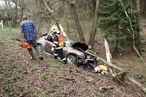 Vážná havárie u Vrbky: zranili se čtyři lidé