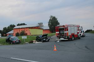 Muž nedal přednost v jízdě a způsobil nehodu v křižovatce u Dřínova.