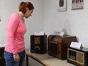 Výstava historických rádií ze sbírky Josefa Jonáška bude v galerii Informačního centra Hulín k vidění až do 28. března.
