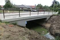Oprava mostu přes Věžecký potok v Miňůvkách.