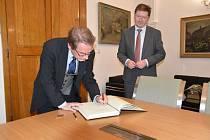 Návštěva finského velvyslance Jukka Pesoly v Kroměříži.
