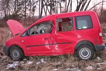 U Prusinovic havarovalo ve středu 22.2. brzy ráno osobní auto a zranění tam utrpěl jeden člověk, zdravotníci jej převezli do nemocnice.