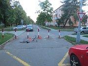 Čtyřiapadesátiletý cyklista z Kroměříže nezvládl v úterý navečer průjezd mezi kovovými sloupky a lehce se zranil, při dechové zkoušce pak nadýchal 3,14 promile.