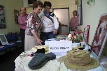 Radnice otevřela v Kroměříži nový Klub seniorů, kde mohou provozovat své aktivity, scházet se i cvičit.