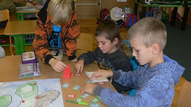 Základní škola v Rymicích se zúčastnila celorepublikové soutěže o nejlepší projektový den: Evropa ve škole, škola v Evropě. Projektový den se uskutečnil 15. října.