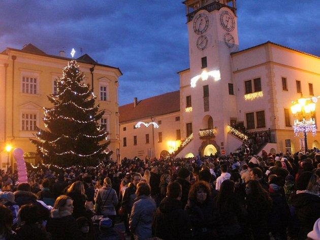 Vánoční trhy na náměstí v Kroměříži