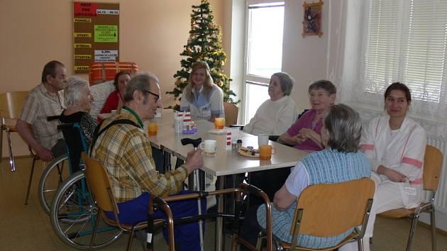 Štědrý den ve Vážanech v domově pro seniory.