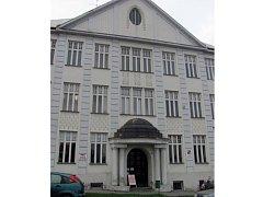 Město brzdí prodej budovy podnikatelské školy