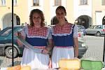 Oslavu vína a burčáku letos na kroměřížském náměstí spojili s farmářskými trhy.
