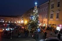 Rozsvícení vánoční výzdoby na Velkém náměstí v Kroměříži, 26. listopadu 2020