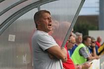 Známý fotbalový trenér Jindřich Lehkoživ v únoru oslavil padesáté narozeniny.