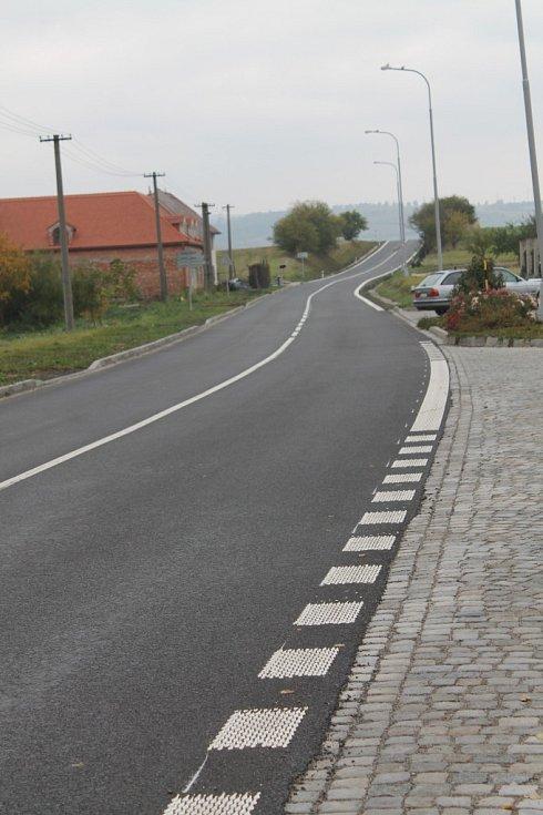 Silnice v Šelešovicích už je opravená.