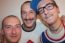 Také mladíci z Chropyně si celý listopad pěstovali své kníry, kvůli tomu aby zvýšili povědomí o rakovině prostaty a varlat v rámci akce Movember.