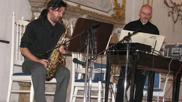 V Kroměříži probíhá už od neděle 21. června dvacátý ročník Festival Forfest Czech republic 2009. Na snímku je Duo Messieri – Selva.
