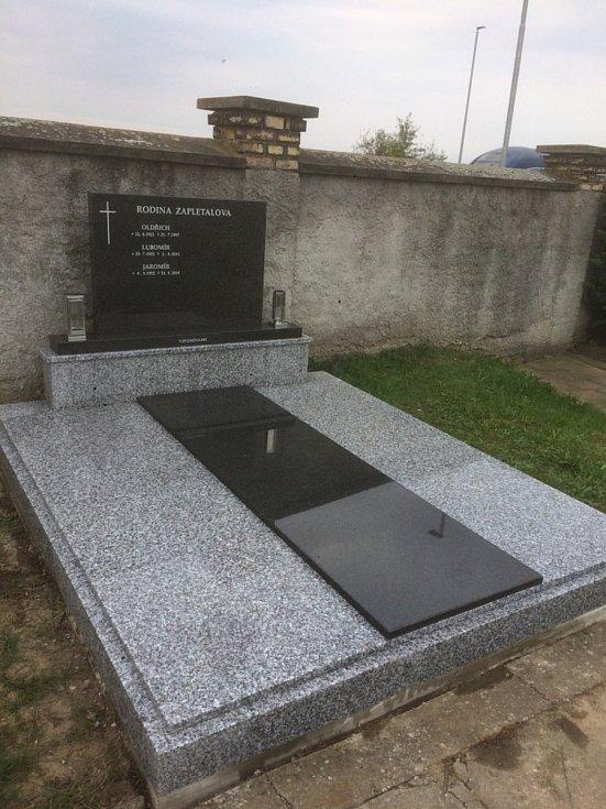 Kameník Jiří Svak, Holešov.