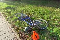 Vážnou nehodu vyšetřuje od pondělního dopoledne policie v Kroměříži. Došlo k ní na tamním Husově náměstí, kde se dodávka střetla s třináctiletým chlapcem na kole.