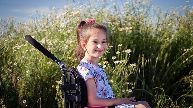 Pomozte handicapované Adélce z Kvasic