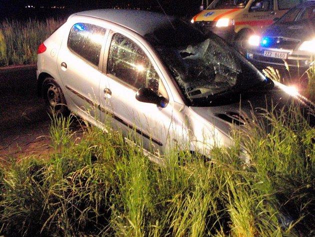 Mladík u Žeranovic dostal smyk a vážně zranil dva chodce
