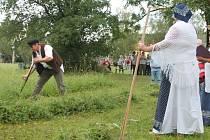 V Jankovicích měli čtvrtý ročník soutěže v sečení trávy kosou O jankovského sekáče.