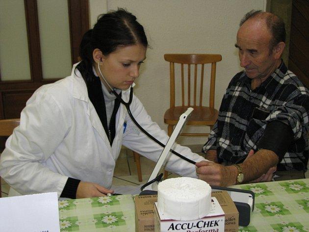 Ve středu 24. září 2008 se konalo v Kroměříži na třech místech bezplatné a veřejné měření glykemie v rámci akce Zdravé město Kroměříž.