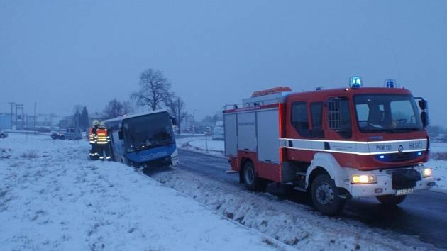 Havárie autobusu u Kotojed.