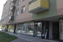 V kroměřížské ulici Tovačovského hořelo ve skladu prodejny.