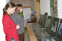 Na téma Indie přednášely ve středu 24. září posluchačům v Knihovně Kroměřížska dvě studentky, které při studiu na Caritas Vyšší odborné škole sociální v Olomouci absolvovaly stáž v Indii o délce jednoho semestru.