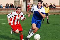 Fotbalisté Ludslavic (v modrém). Ilustrační foto
