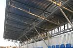 První etapa rekonstrukce tribuny na hřišti TJ ve Zdounkách.