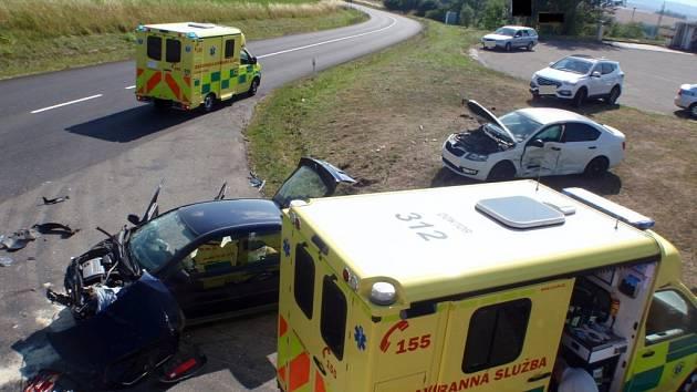 Dvě jednotky hasičů zasahovaly u střetu vozidel v Dřínově