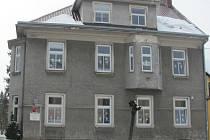 V Holešově chtějí přesunout Mateřskou školku z historické vily na ulici Masarykova do objektu bývalého pionýrského domu na ulici Pivovarské.