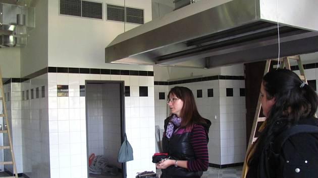 V přízemí holešovského zámku se připravují prostory nové zámecké restaurace, otevřena by měla být v listopadu 2013.