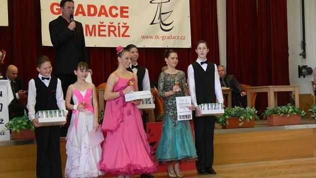 Tradiční taneční soutěže O cukrovou číši se v neděli 13. ledna zúčastnilo na dvě stě šedesát párů z celé České republiky, ale také ze Slovenska. Soutěžilo se ve standardních i latinskoamerických tancích.