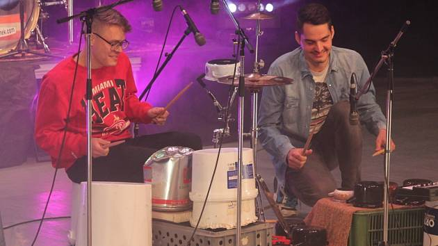Bubeníci z konzervatoře a základních uměleckých škol spojili už po dvacáté své síly s profesionály na festivalu Percussion Show.