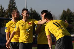 Fotbalisté Kroměříže (ve žlutých dresech). Ilustrační foto