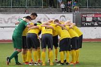 Fotbalisté Kroměříže (ve žlutých dresech). Ilustrační foto.