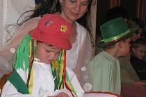 V kulturním domě ve Zdounkách se v neděli odpoledne konal Vodnický bál. Pro děti byly připravené soutěže, nebo si také mohly kreslit.