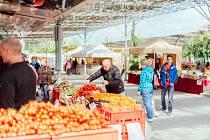 Farmářské a řemeslné trhy.