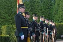 Kroměřížští ostrostřelci vystřelili salvu k příležitosti Dne válečných veteránů.