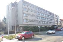 Nemovitosti a pozemek včetně budovy bývalé vojenské ubytovny odkoupí od státu kroměřížská radnice: hodlá v ní vybudovat startovací byty pro sociálně slabší a mladé rodiny.