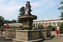 Květná zahrada v Kroměříži se v sobotu 6. září poprvé po velké rekonstrukci otevřela veřejnosti. Slavnostního dne se zúčastnil také premiér Bohuslav Sobotka.