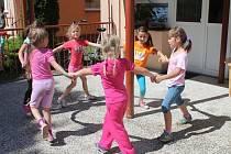 Některé mateřské školy mají i prázdninový provoz.